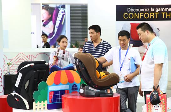 中国婴童展买家看好儿童安全座椅产品